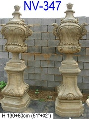 Paar finial mit Sockel. Stone Garden Art
