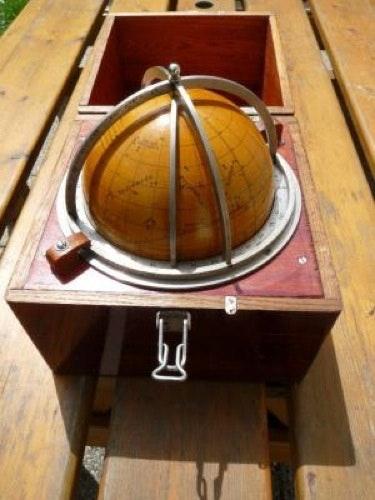 Navisphere box with globe.  La Timonerie - Antiquités De Marine
