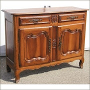Louis XV credenza with 2 doors and 2 drawers, walnut..