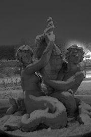 """Angel y el Diablo de la serie de nieve Jardines """". Emmanuel Da Silva"""
