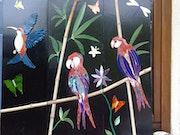 Papageien, Kolibris, Libellen und Schmetterlinge. Atelier Terra Roma