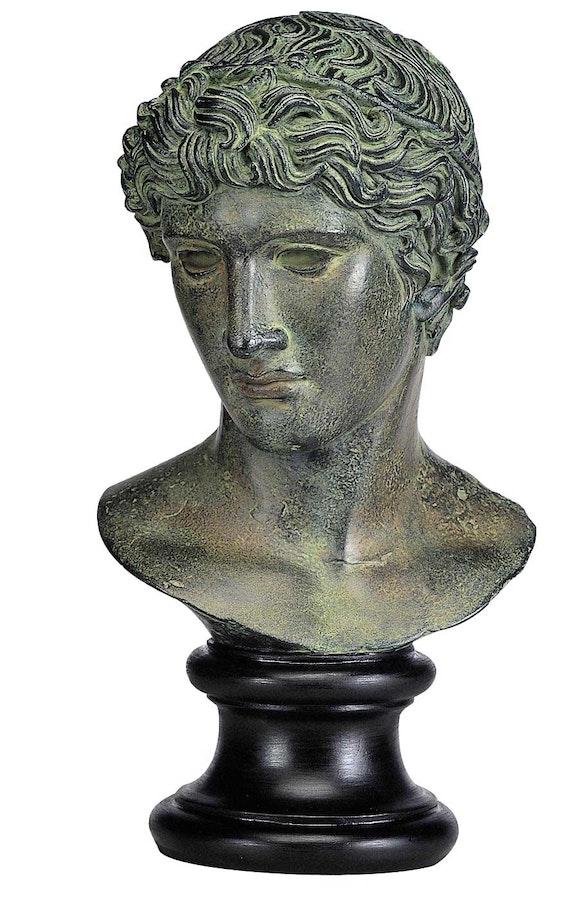 Head of a Victorious Athlete.  Réunion des Musées Nationaux