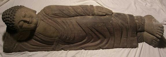 Buddha Nirvana.  Dragonasie Sarl