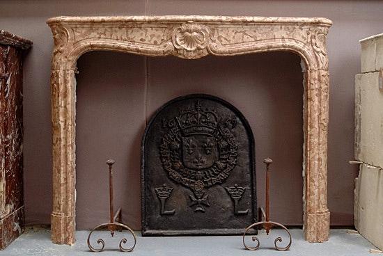 Louis XV fireplace.  Galerie Origines