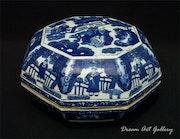 Ming Dynasty Jiajing Porcelain Box. Dream Art Gallery