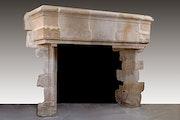 Período gótico chimenea. Galerie Origines
