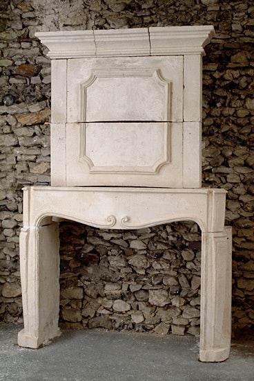 Louis XIV fireplace.  Galerie Origines