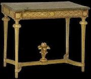 table de milieu en bois sculpté et doré. Galerie Charles Sakr