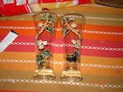A beer glass hand-painted decorations hops. Emilie Thurette