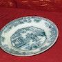 assiette en porcelaine, motif chinois, décor chinois. Philippe Cardella