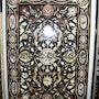 Balck Marmor Gartentisch mit Mughal Design. Marble Cottage