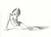 Joven mujer que yacía desnuda.