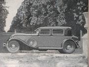 Esperando en el Parque - Automóvil 1900 -.