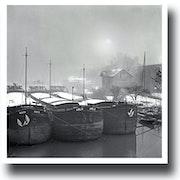 Casa Flotante en el invierno la nieve 1958. Gilles Bizé