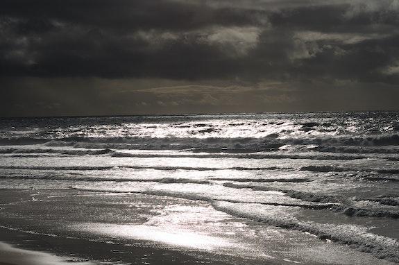 Dark Ocean. Dan Saam Dan Saam