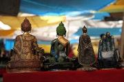Sammlung von Buddhas. Images Du Monde