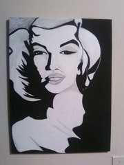 Marilyn Monroe in black and white. Luis Aguilar