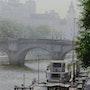 Barcazas en la niebla por la mañana . Thierry Duval