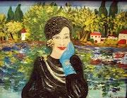 La señora con el guante azul.