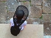 La dame au chapeau. Hervé Hameury