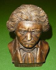 Schöne Büste von Beethoven - Europa - 2. Hälfte des 20. Jahrhunderts. Fleer