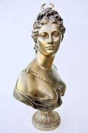 Diane. Marc Menzoyan Antiquités
