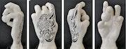 Main de femme tatouée.
