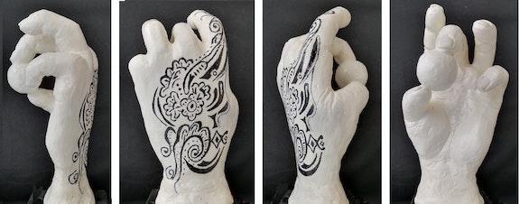Main de femme tatouée. Jmp Jean-Marie Passeron