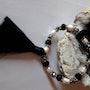 Bracelet noir et blanc perles et boules de quartz. Jigée