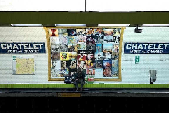 Vue quai Affiche 2 - Photo d'Art Officielle de l'Expo-Métro Paris Châtelet.  Artquid Team