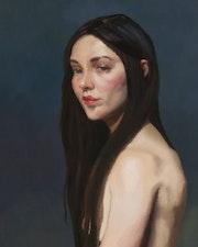 Femme torse nue.