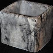 Cache pot en beton marbré. Helene Deco