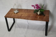 Table basse live edge sur pietement en u. Helene Deco