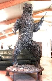 Ours fer forgé, sculpture monumentale. Espace Les Noisetiers -La Cavalerie-