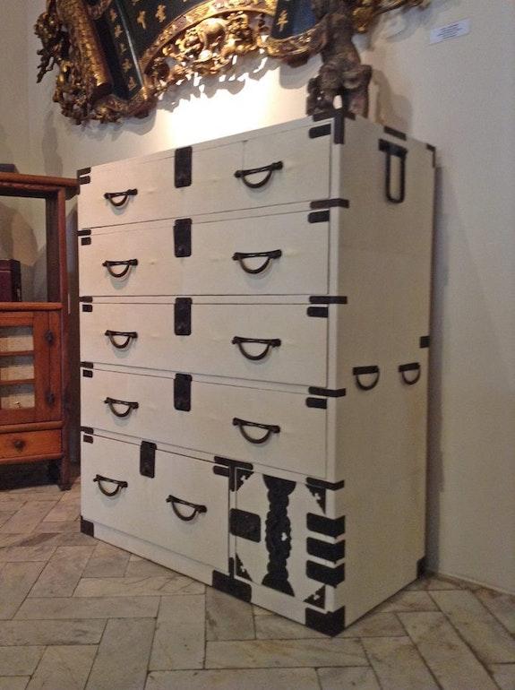 Japanese clothing chest.  Antikasia