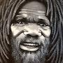 Chef de tribue bunani. Monde De Nine