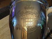Silberpokal mit dem fürstlichen Wappen der Grimaldis - Monaco, 1938. Thomas Kern