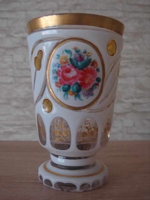 Fußbecher, wohl Schaffgotsch`sche Josephinenhütte (zugeschrieben), um 1860-70..  Glaskunstgalerie Raphael