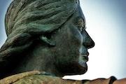 Serie: «Las estatuas».. Helena Rovira Moreno