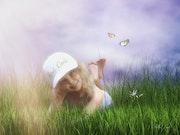 Auf der Wiese mit Schmetterlingen. Juste