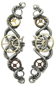 3-Gear Steampunk Ear Cuff; «Helix»: Model.
