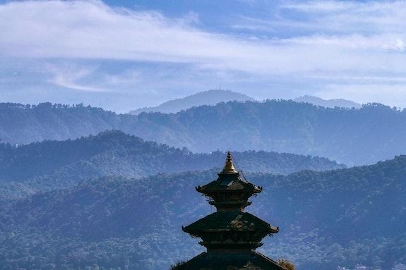Toit de temple à Bhaktapur. Sylvie Lebchek Solena432