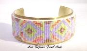 Bracelet tissé en perles japonaises motif péruvien.