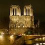 Notre Dame de Paris. Philar. Photos