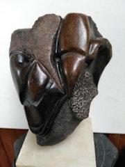 A l'ecoute. Sculpteur-Plasticienne