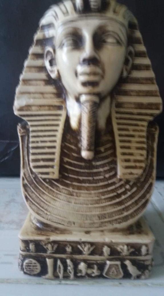 Égypte Antique. Sculture D Égypte Antique Khaled Ousmaal