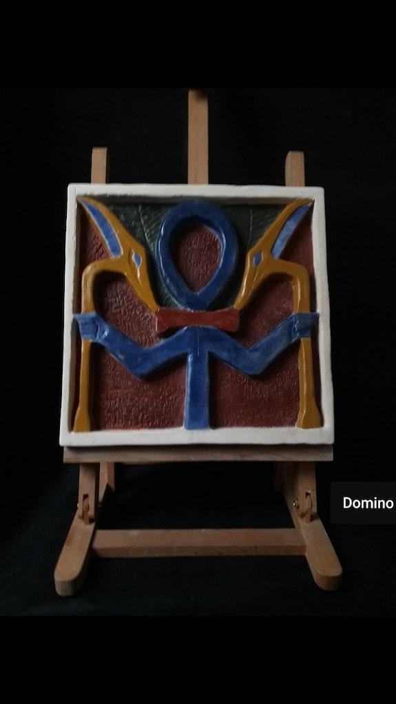 Ankh (la croix de la vie éternelle). Domino Domino