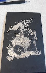 Carte à gratter, panda heureux. Tiffanie Daubié