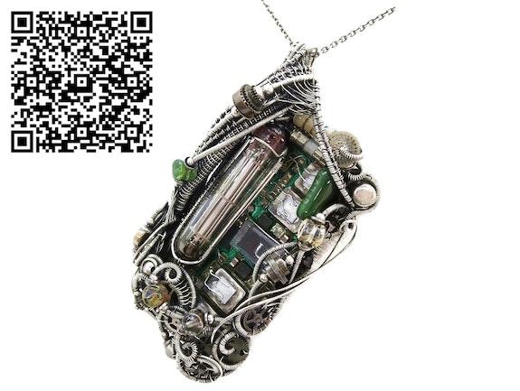 Upcycled Vintage Circuit Board & Vaccum Tube Cyberpunk/Steampunk Fusion Pendant. Heather Jordan Heather Jordan Jewelry