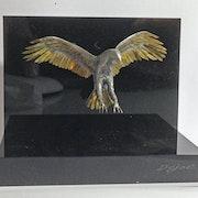 Aigle, figurine en laiton et soudure argent, fabriquée à la main. Jidejol